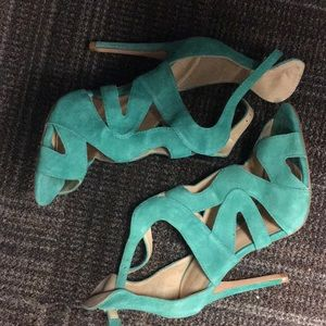 Zara green suede cutout heals size 8